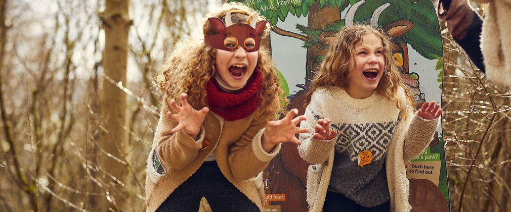 Gruffalo spotters family roar children