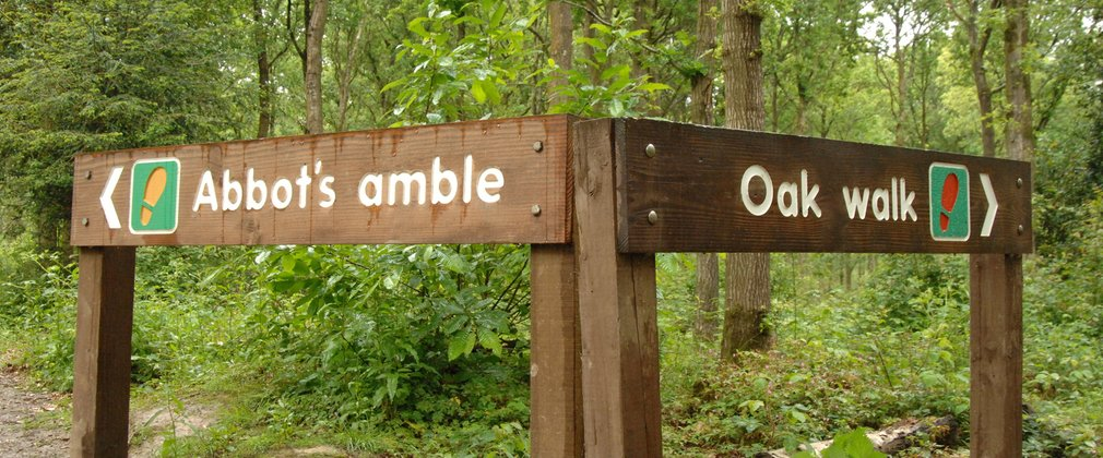 Abbots Wood sign post
