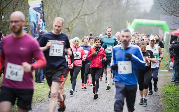 runners at start of Hamsterley Forest 10k
