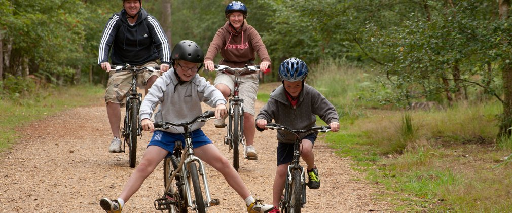 family on a child friendly cycling trail