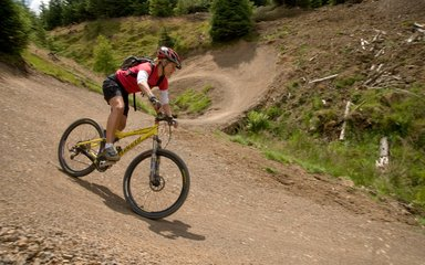 Female mountain biker Gisburn, Hully Gully