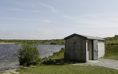 Bird hide next to lake at hicks lodge
