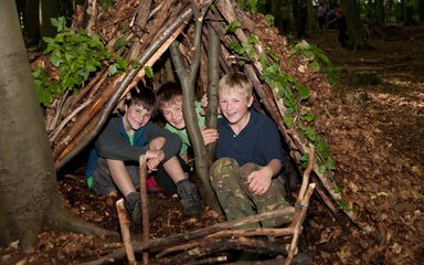 Children learning Bushcraft